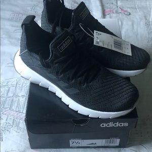Adidas Asweego  running shoes